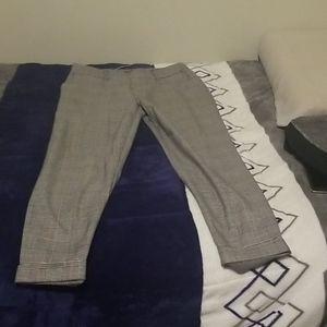 Medium sized squared pants